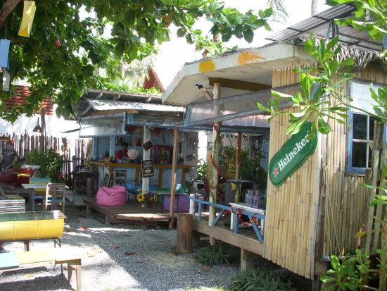 THINK & Retro Cafe Lipa Noi: the cafe