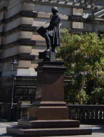 Semper Memorial