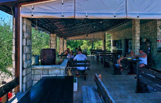 Konoba Labadusa - Restaurant: LUNCH TIME