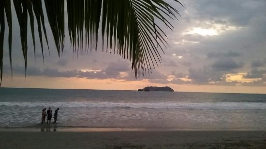 Sunset at Playa Manuel Antonio. This beach is directly across from Hotel Manuel Antonio. (photog