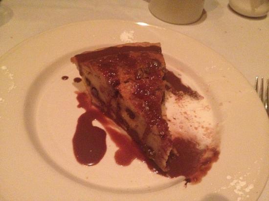 Bourbon Walnut Pie: fotografía de Old Ebbitt Grill, Washington D.C ...