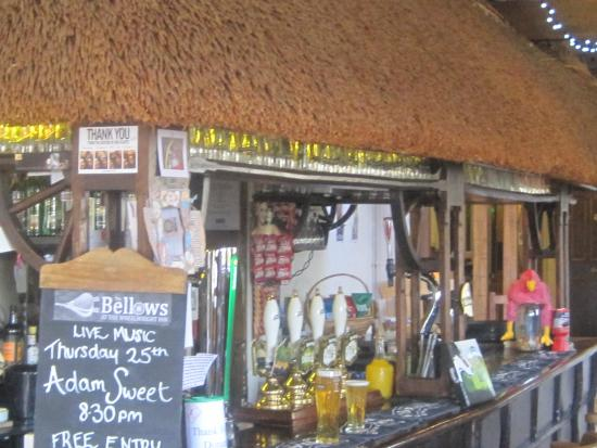 Colyford, UK: The thatched bar area