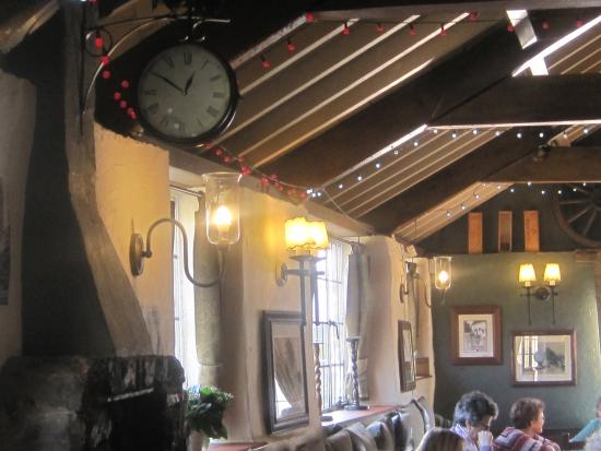 Colyford, UK: Inside the bar