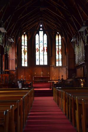 Int rieur de l 39 glise d plc e picture of holy trinity for Interieur eglise