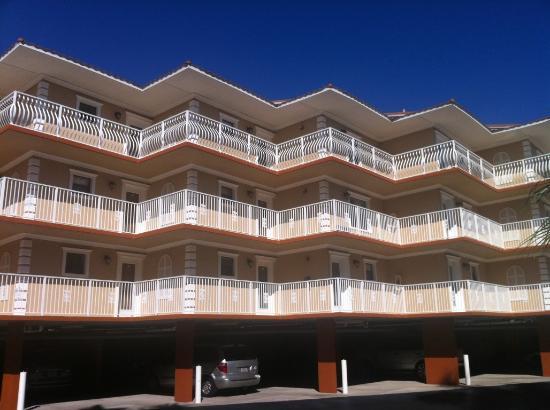 Beso Del Sol Resort: outside of resort