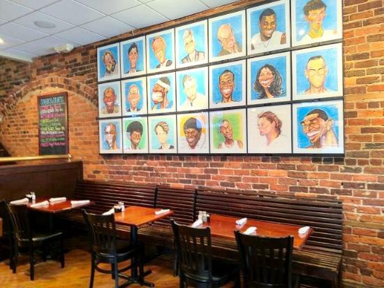Spanky's Restaurant : inside