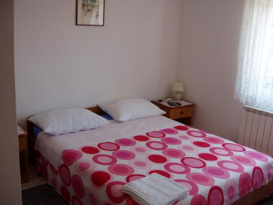 Plomin, Croacia: Bedroom