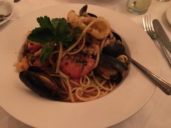 La Campagnuola: Seafood linguine