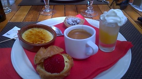 La Petite Vague: Excellent café gourmand