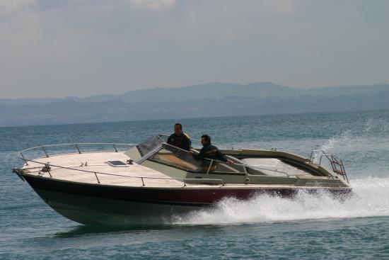 Rappydrive : Barca a noleggio con patente