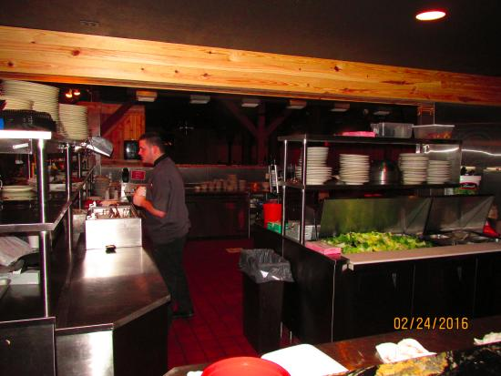 Sebring, FL: Kitchen