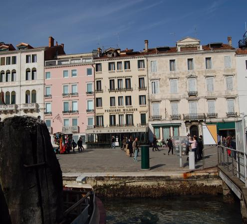 Hotel Wildner: A l'arrivé du bateau