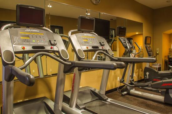 Holiday Inn San Diego - La Mesa: LifeFitness equipment is smartphone accessible
