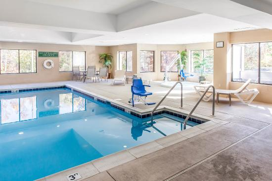 Comfort inn dumfries quantico updated 2017 hotel reviews - Dumfries hotels with swimming pool ...