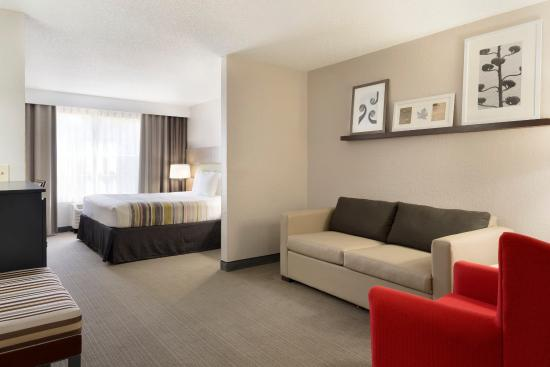 Country Inn & Suites By Carlson, Brunswick I-95: Guest Room
