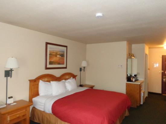 Country Inn & Suites By Carlson, Green Bay: CXWIGRNB King Guest Room