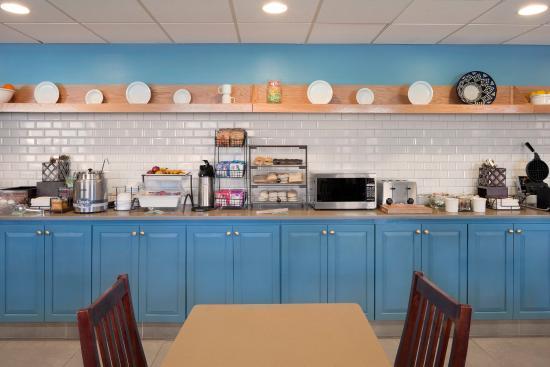 Aiken, SC: Breakfast Area