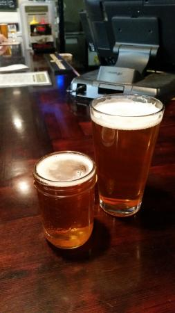 Palo Alto, Californien: Pliny the Younger and Elder