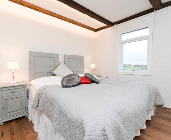 Grand guesthouse gardakot bewertungen fotos vik for Zimmer 94 prozent