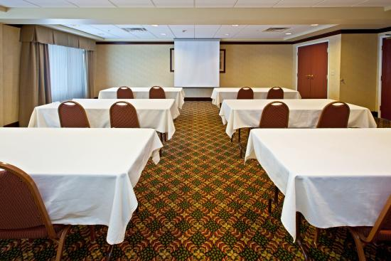 Holiday Inn Express Hotel & Suites Lexington- Downtown / University: Bluegrass Meeting Room