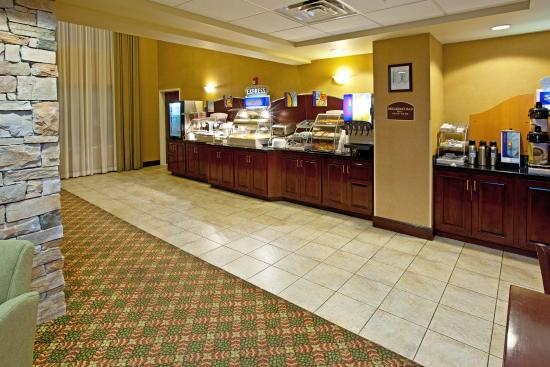 Holiday Inn Express Hotel & Suites Lexington- Downtown / University: Holiday Inn Express & Suites Lexington Downtown Free Breakfast