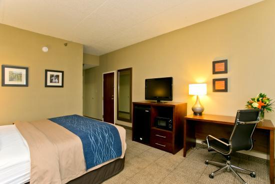 Comfort Inn Aikens Center: King Guestroom