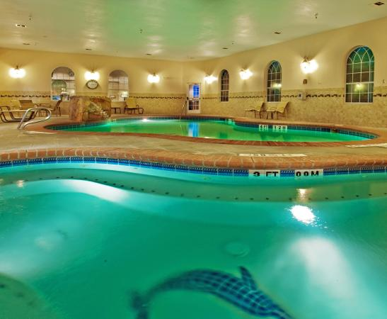 Swimming pool picture of holiday inn express hotel suites levelland levelland tripadvisor Holiday inn hotels with swimming pool