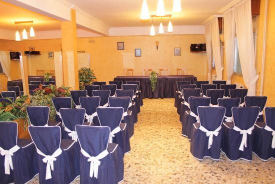 Rois, Испания: salón de reuniones