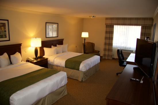 Country Inn & Suites By Carlson, Ventura: Double Queen Guestroom