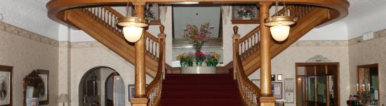 Gunter Hotel: Stair case in Lobby