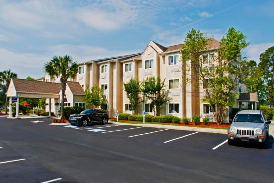 Photo of Microtel Inn & Suites By Wyndham Brunswick North