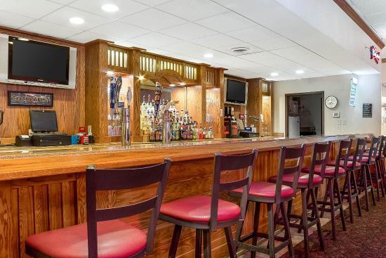 Quality Inn & Suites Jamestown: Restaurant