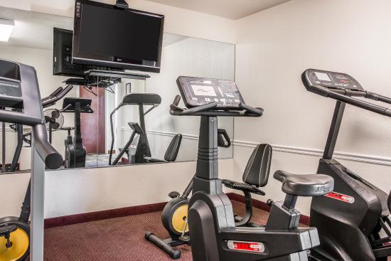 Quality Inn Airport: Fitness Center