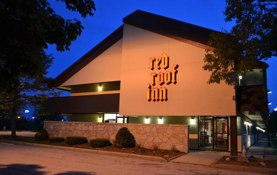 Red Roof Inn Benton Harbor St. Joseph: Exterior Night
