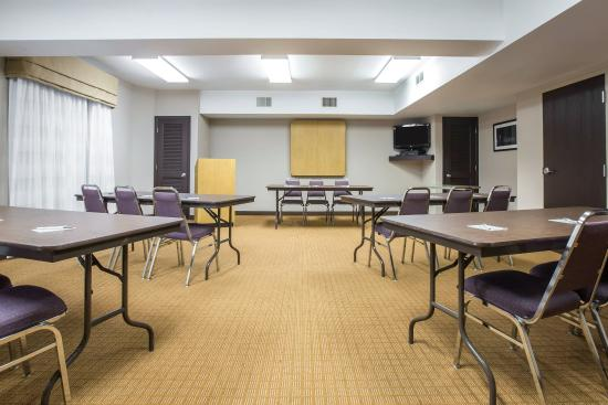 Sleep Inn at Harbour View: Meeting room