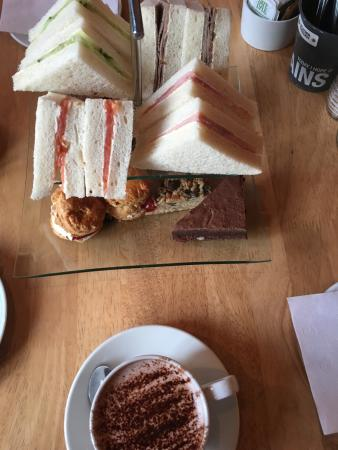 The Refectory at Southwark Cathedral : les gâteaux - afternoon tea