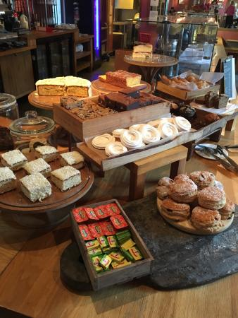 The Refectory at Southwark Cathedral: les gâteaux - afternoon tea