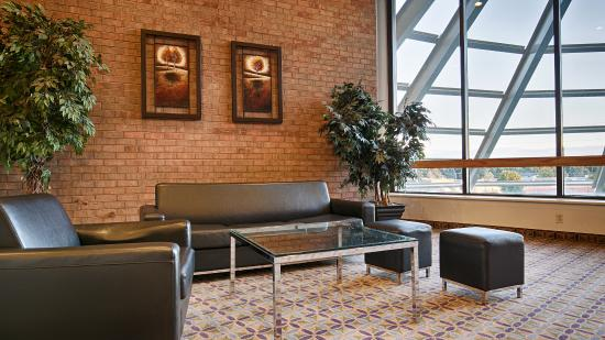 BEST WESTERN PLUS Royal Brock Hotel & Conference Centre: Lobby