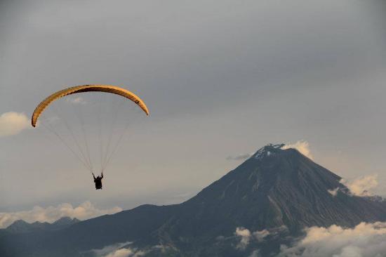 Paragliding Baños