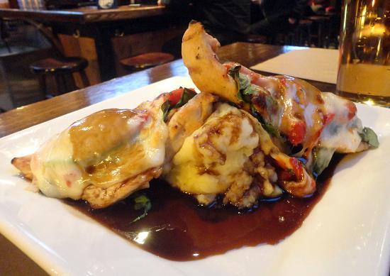 Baker's American Bar & Grille: Balsamic Chicken