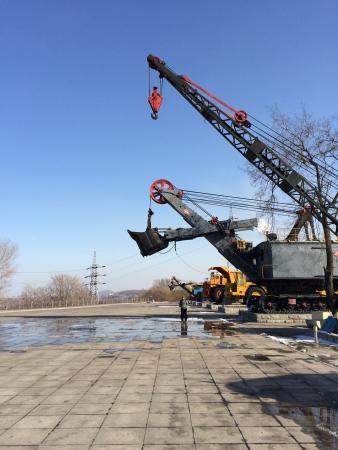 Xilu Open Mine : Outdoor display of heavy machinery