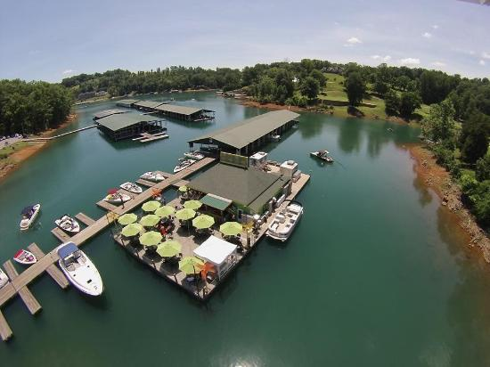 La Follette, เทนเนสซี: The Tiki Club in Deerfield Cove on Norris Lake
