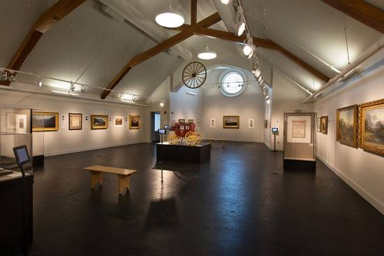 "Plymouth, Nueva Hampshire: Our first exhibition ""Passing Through: The Allure of the White Mountains"""