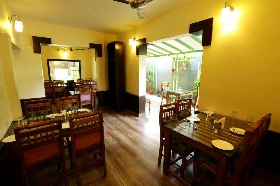 Thekkady Spice Valley Holiday Hotel : Restaurant