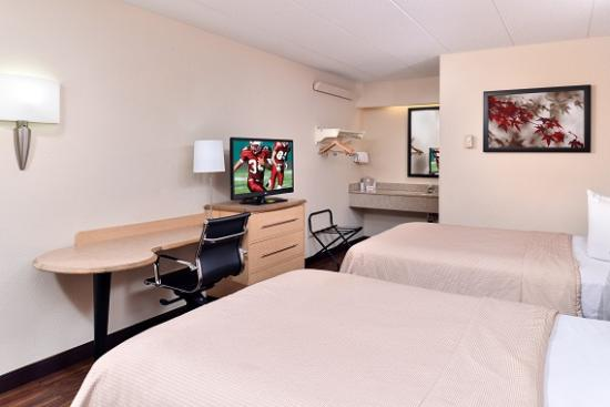 Red Roof Inn Chicago - Northbrook / Deerfield: 2 Full Beds