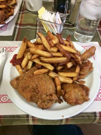 Harbour Grace, Canadá: Chicken & Deep Fried Turkey