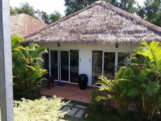 Blue Sea Boutique Hotel: Our friends room and our room - two rooms in the same bungalow