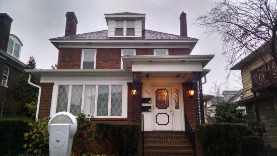 Victorian Loft: Exterior of home