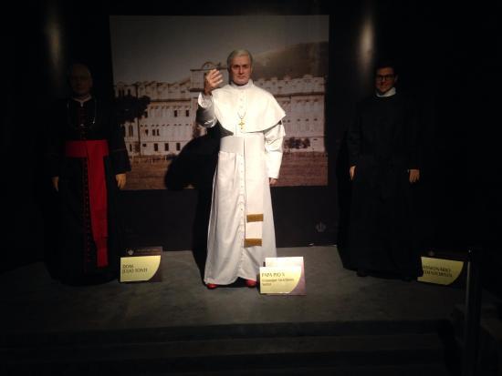 São Pio X Muito Real Ambiente Escuro Prejudica Fotos