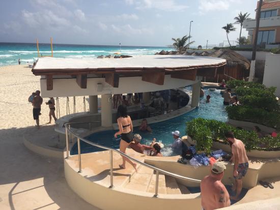 Well-liked Kuku's hot tub bar - Picture of Omni Cancun Resort & Villas  SL05